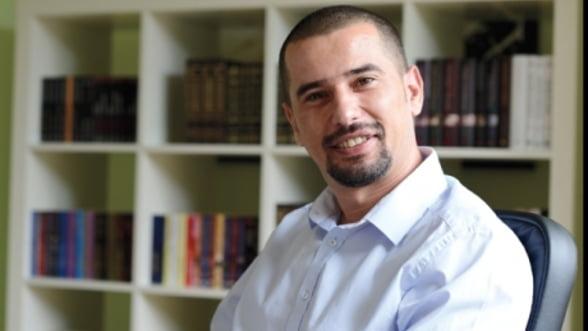 Ai carte, ai business: Adrian Dinu, Elefant.ro