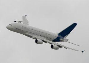 Airbus a anuntat comenzi record pe anul 2007, mai scazute decat ale rivalului Boeing