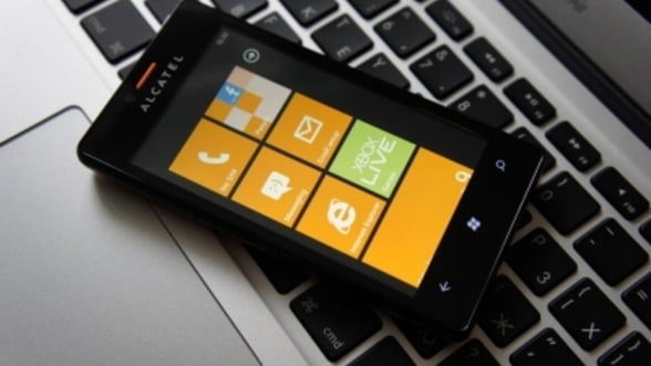 Alcatel lanseaza un telefon cu Windows Phone 7.8