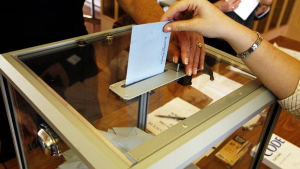 Alegeri in Europa: Franta, Serbia si Grecia au deschis sectiile de votare