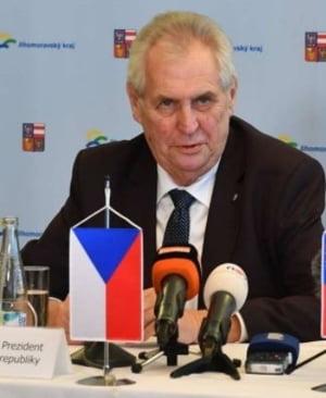 Alegerile prezidentiale din Cehia merg in turul al doilea: Oamenii au de ales intre Rusia si Europa