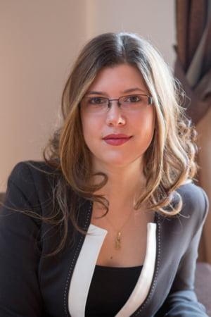 Alice ajuta romanii sa descopere lumea - interviu Touristry