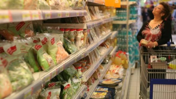 Alimentele s-au ieftinit in iulie, dar pretul serviciilor a crescut