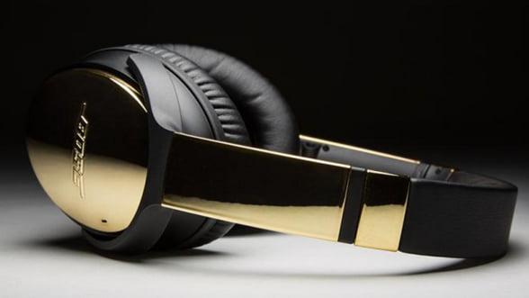 Am auzit bine? Casti Bose restilizate de Color Ware in editie placata cu aur!