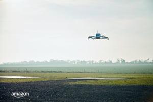Amazon a facut prima livrare cu o drona: Asa vom primi coletele in viitor? (Video)