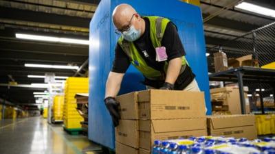 Amazon majorează salariile în încercarea de a găsi încă 125.000 de angajaţi