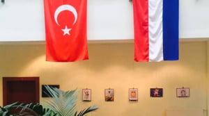 Ambasada Olandei in Turcia a fost inchisa. Un ministru turc nu a fost lasat in Consulatul tarii sale la Rotterdam