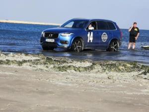 Amendă pentru un turist care a intrat cu mașina pe plajă la Năvodari