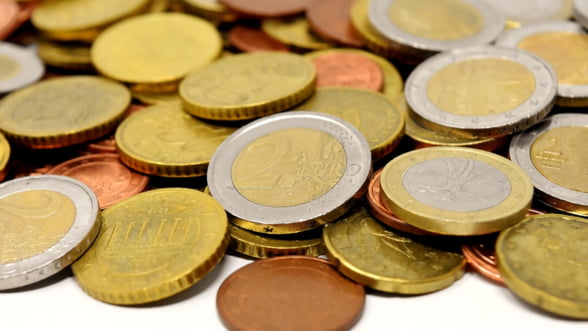 Analist: Iata de ce continua sa se deprecieze leul in raport cu euro
