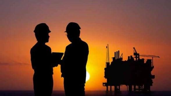 Analist: Pretul petrolului este dictat de interesele ascunse ale rusilor si sauditilor, nu de OPEC