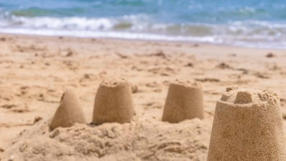 Analisti: Romania economica risca sa se prabuseasca precum un castel de nisip