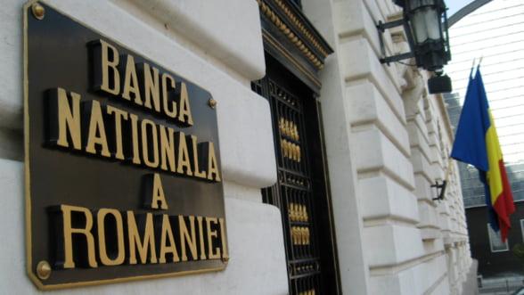Analistii financiari: BNR ar putea reduce dobanda cheie la 3,25% in urmatoarele trei luni