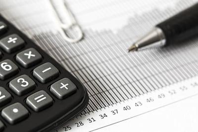 Analistii financiari sunt tot mai neincrezatori in activitatea economica din Romania
