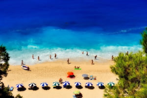 Analiza: Bulgaria a atras 50% dintre turistii care voiau sa plece in Grecia si Turcia