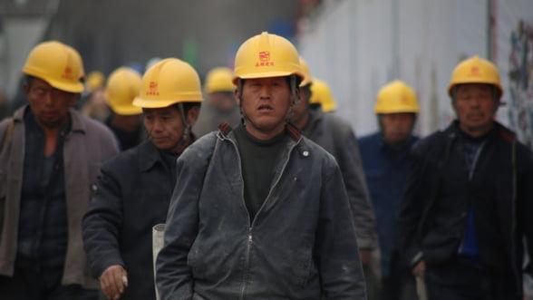 Analiza Bloomberg: Cum cumpara chinezii Europa, bucata cu bucata
