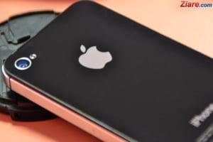 Angajatii Apple au dat in judecata compania: Suntem tratati ca niste infractori