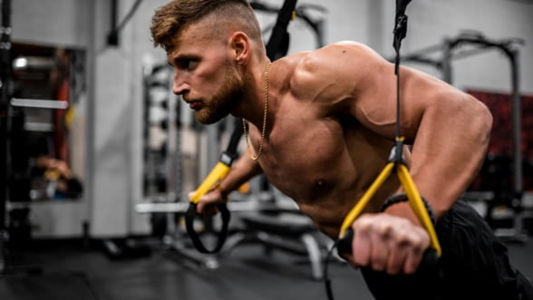 Antrenamentul bratelor. 3 metode care functioneaza de minune
