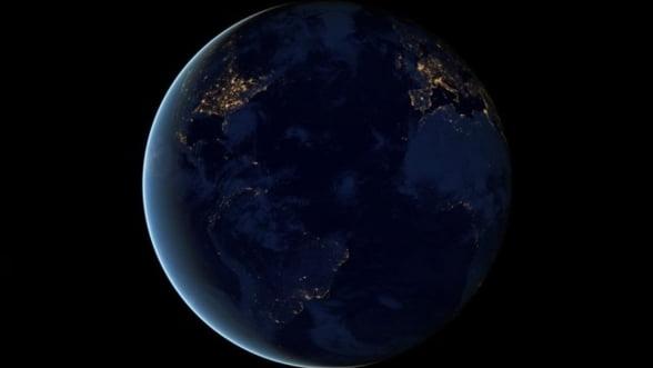 Aparatul cu care au fost realizate primele fotografii cu Terra vazuta din spatiu, scos la licitatie