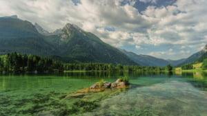 Apele Romane: Resursele de apa ale Romaniei sunt relativ sarace si neuniform distribuite
