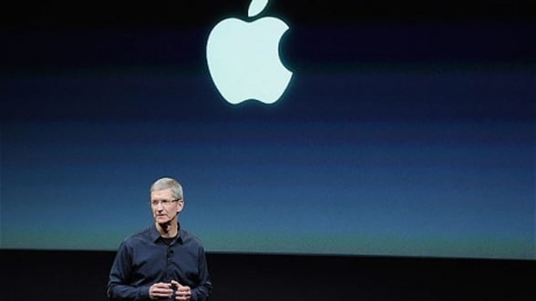 Apple: iPhone 4S dubleaza profitul companiei