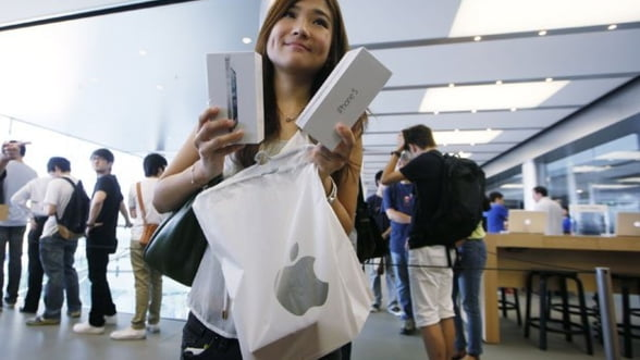 Apple a inceput vanzarea noilor modele iPhone. Analistii anticipeaza vanzari record