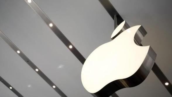 Apple este zguduita serios de scandaluri, in prag de lansare iPhone 6