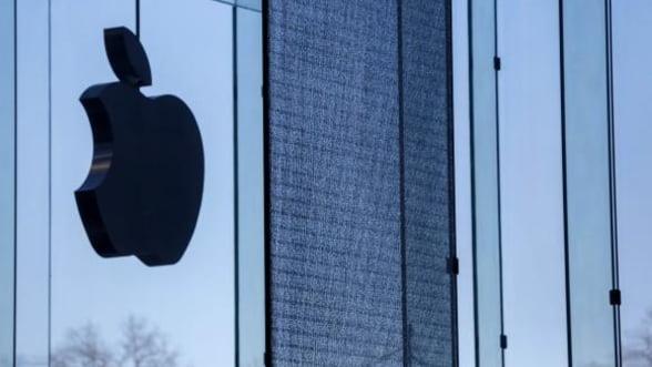 Apple incearca sa creasca vanzarile online, prin limitarea unor drepturi ale clientilor