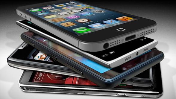 Apple si Samsung au dominat piata smartphone-urilor si in 2012