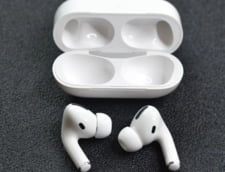 Apple vrea sa integreze functii de monitorizare a sanatatii si a activitatilor sportive in castile AirPods