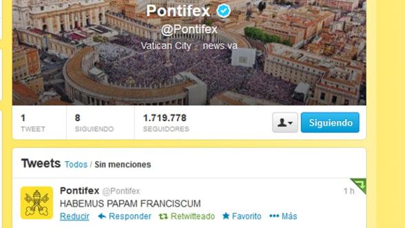 Aproape 4 milioane de utilizatori sunt abonati la contul de Twitter al Papei