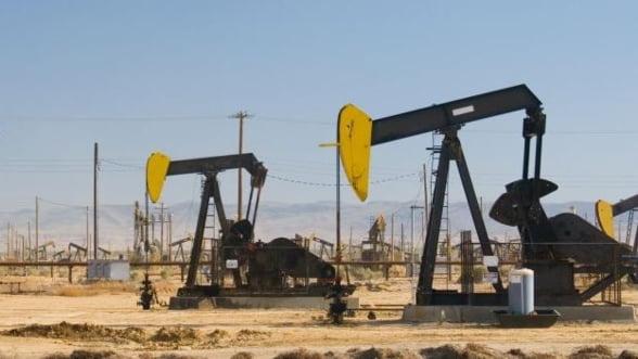 Arabia Saudita poate acoperi un deficit de petrol cauzat de tensiunile Vest - Rusia