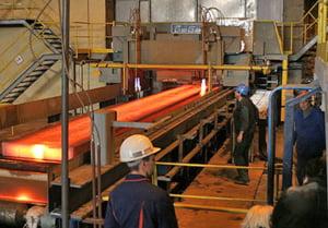 ArcelorMittal loveste in angajatii firmelor partenere
