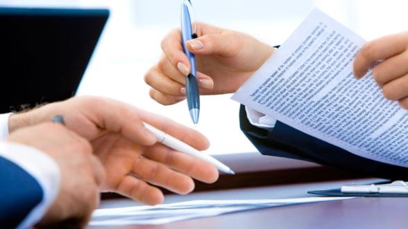 Asociatiile consumatorilor de servicii bancare solicita reechilibrarea contractelor de credit