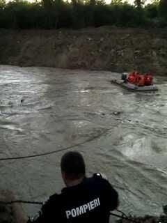 Atentie, soferi! Pe Valea Oltului si Valea Prahovei, soseaua e inundata si se circula foarte greu