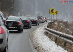 Atentie, soferi! Se circula greu pe Valea Prahovei. Iata ce rute alternative puteti folosi