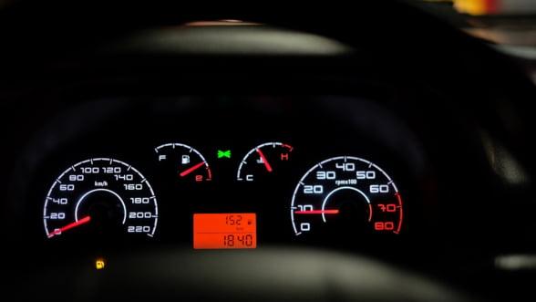 Atentie la numarul de kilometri reali, atunci cand cumperi o masina second! Vanzatorii au dat inapoi inapoi intre 5 si 399.617 de km in ultima luna