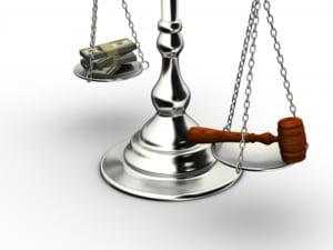 Au magistratii salarii prea mari?