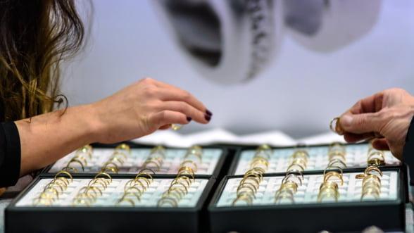 Aurul ajunge la un maxim istoric: 211,5392 de lei pentru un gram