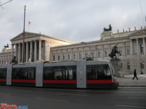 Austria vrea lege anti-imigranti din UE: Austriecii sa aiba prioritate la angajare. Tarile estice exporta somaj