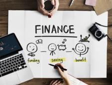 Avertisment BNR: Tinerii sa se gandeasca bine la riscuri inainte sa ia credite de la banci