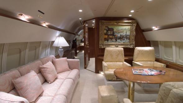 Avioanele private, decorate in functie de adancimea buzunarelor