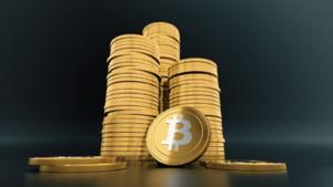 Băncile centrale atacă direct monedele virtuale private. Ultimul anunț al șefului FED din SUA