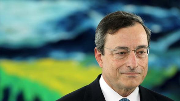 BCE: Politicienii trebuie sa sprijine economia zonei euro