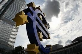 BCE avertizeaza Guvernul Greciei cu privire la schimbarile in conducerea bancilor