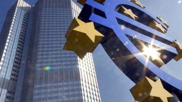 BCE indeamna guvernele la implementarea de politici curajoase