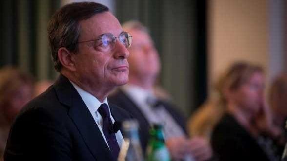 BCE va incepe in noiembrie achizitia de obligatiuni garantate cu active, cu ajutorul ING si Deutsche Bank