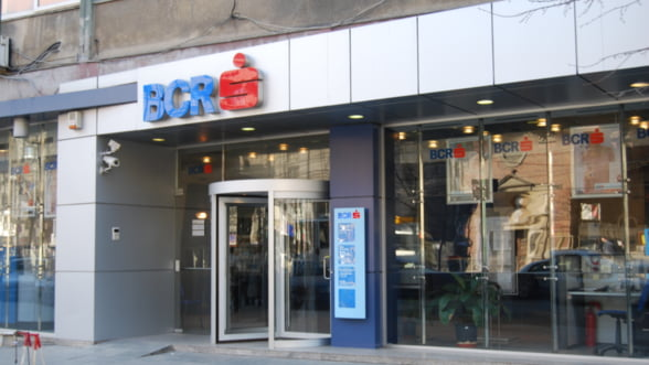 BCR majoreaza dobanzile la depozite si scade costurile creditelor garantate in lei