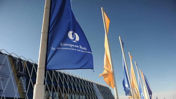 BERD estimeaza crestere economica de 2,4% in acest an, cu riscuri in zona creditarii