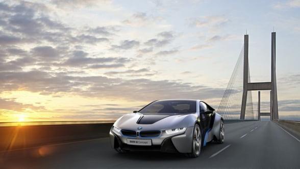 BMW i8: Incarca-te cu adrenalina verde, intr-un supersport eco