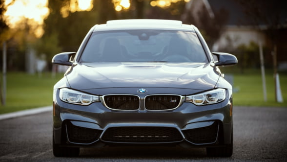BMW vrea sa-si faca propriile robo-taxi care sa concureze cu Uber